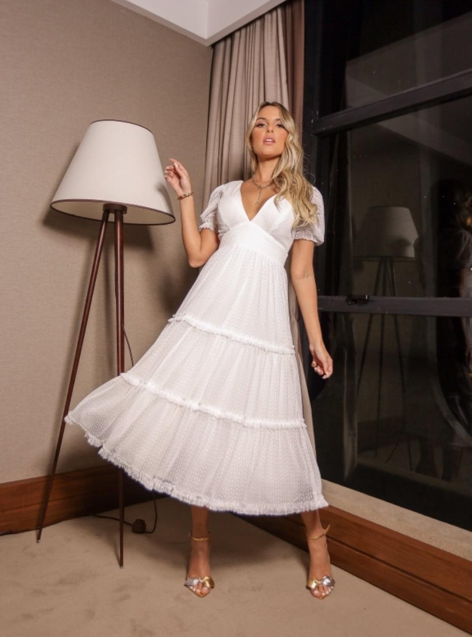 Vestido Branco Midi Manga Curta Tule de Póa Casamento Civil, Noiva Civil e Festas.